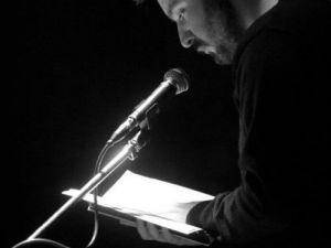 Grčki pesnik stvara poeziju na španskom jeziku