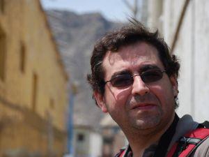 Kritika zbirke pesama Kamen u srcu Karlosa Aldasabala